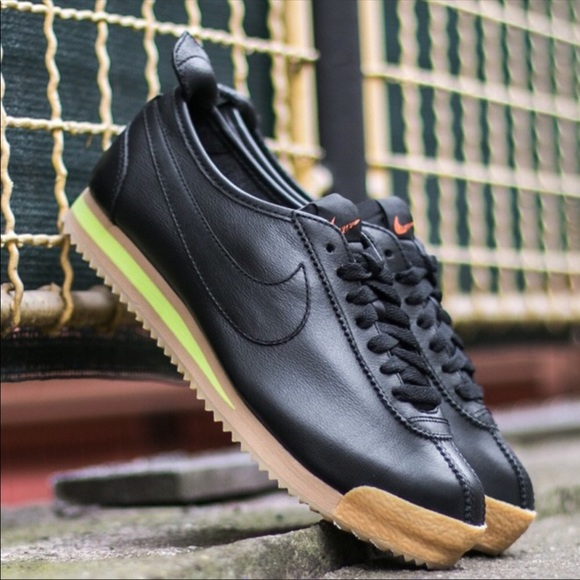 new style 57668 74243 Nike Cortez 72 Classic Vintage Shoes. M 5b1218f6c9bf507f5f45c905